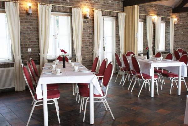 fletcher hotel restaurant la ville blanche thorn. Black Bedroom Furniture Sets. Home Design Ideas